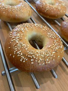 Fertiggebackene New York Style Bagels - Bagels selber backen   BROTFEE