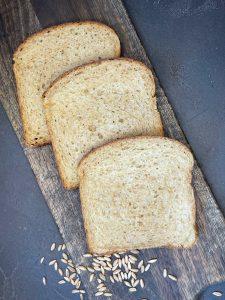 Saftig buttriges Kartoffeltoastbrot - Toast selber backen   BROTFEE